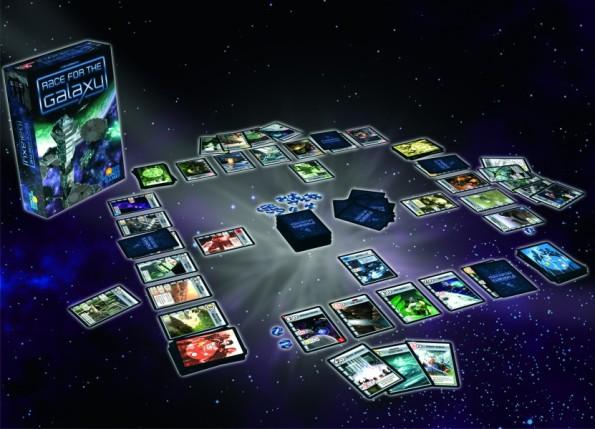 Il contenuto della scatola di Race for the Galaxy