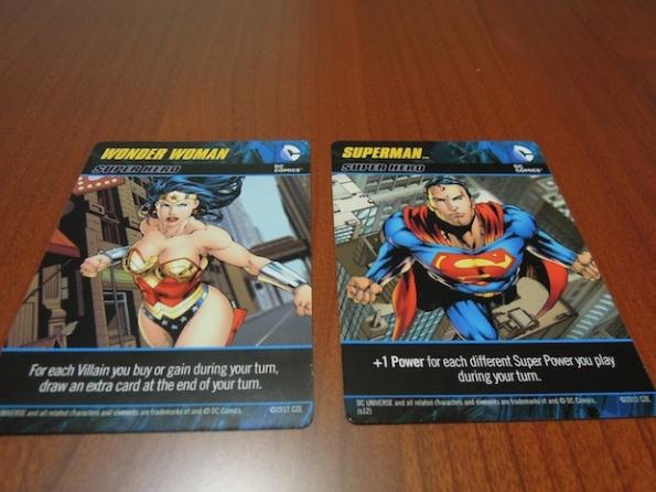 Wonder Woman e Superman sono due dei supereroi di DC Comics Deck Building Game