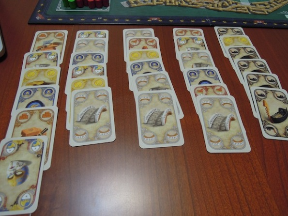 Una mano tipica di carte per uno dei sei turni di una partita a Rialto