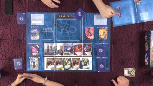 Una fase di gioco iniziale di una partita a Legendary