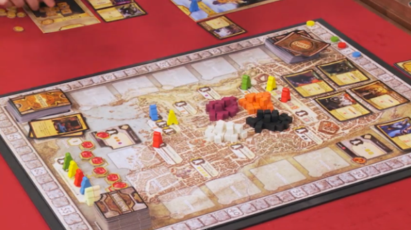 Una fase di gioco a Lords of Waterdeep durante la puntata di Table Top