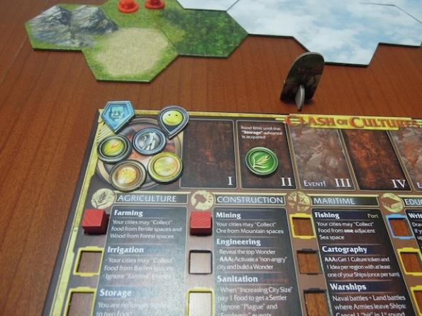 Ogni giocatore ha il suo board personale dove segnare le risorse della civiltà e le conoscenze accumulate