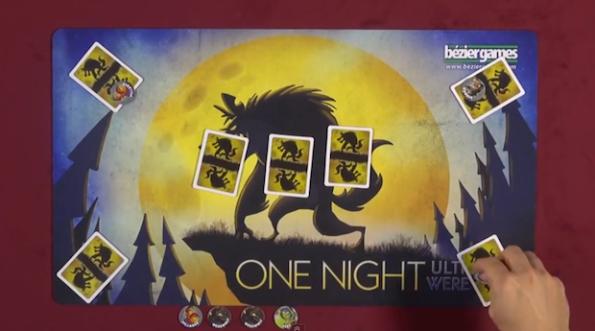 Una fase di gioco a One Night Ultimate Werewolf