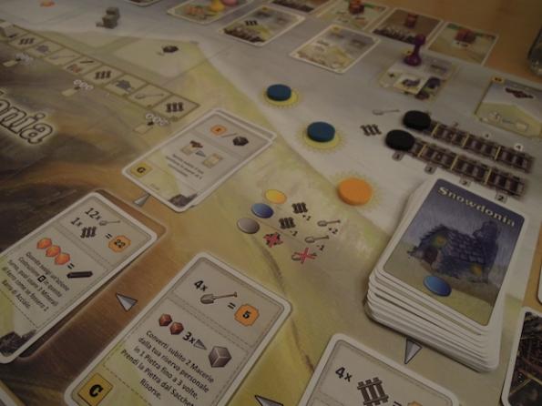 Snowdonia è un gioco a tema ferroviario decisamente atipico