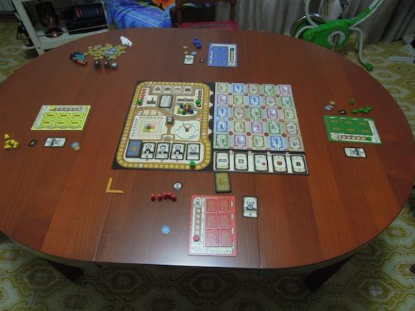 Setup per una partita a quattro giocatori. C'è un piccolo errore, birra pagata a chi lo trova :-)