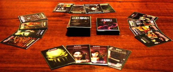 Una fase di gioco a Stay Away! Cthulhu is Back!